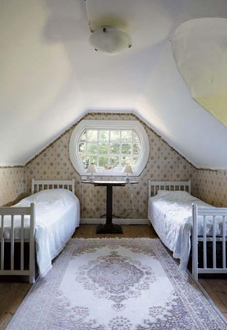 Sarvilinna, the White Bedroom
