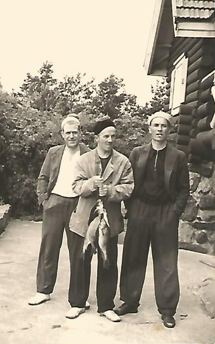 Old-time perch catches. Toivo Sarvilinna, Kauko Supinen and Aarne Jalanne.